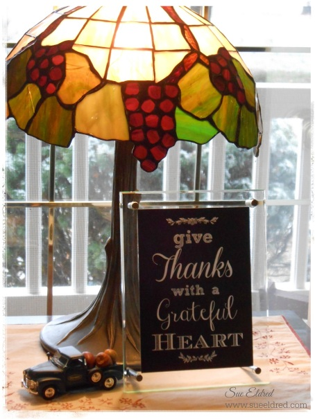 Deflecto Give Thanks Acrylic Frame