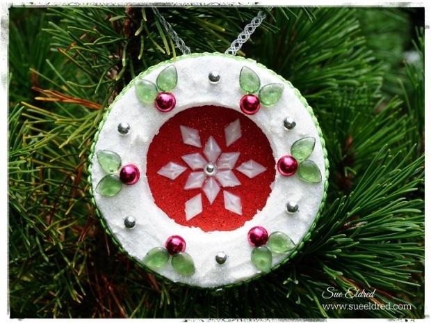 Holly Wreath 7192
