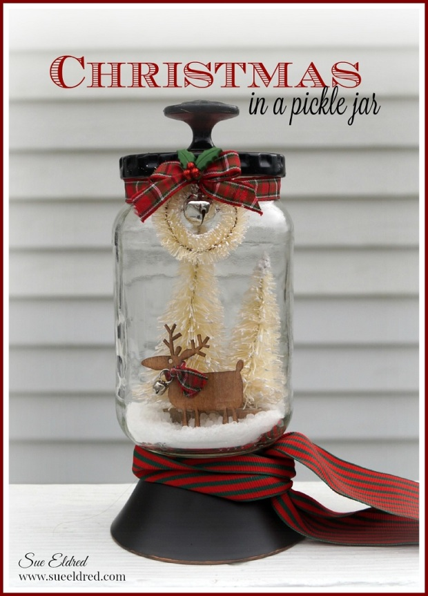 Christmas in a Pickle Jar 1127