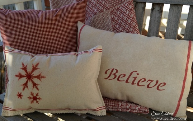 Stenciled Holiday Pillows 2316