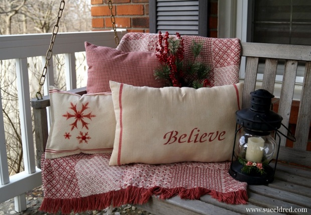 Stenciled Holiday Pillows 2422
