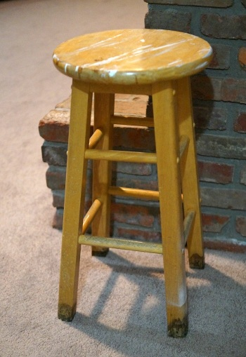 old stool 5552
