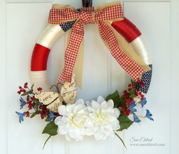 Ruled Ribbon Wreath 7522