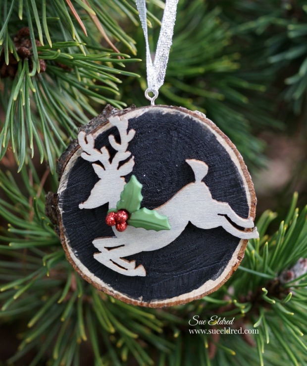 wood-slice-reindeer-ornament-sues-creative-workshop-1186
