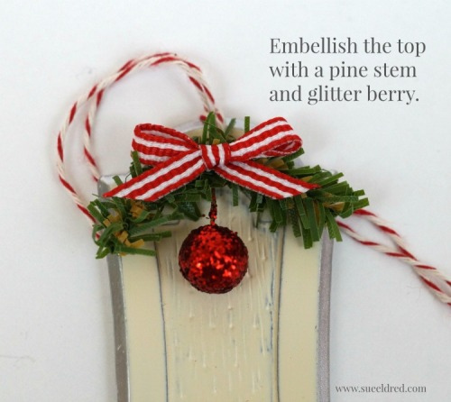 embellish-the-top-of-the-ornament-with-pine-stem-and-glitter-berry-sues-creative-workshop-3267