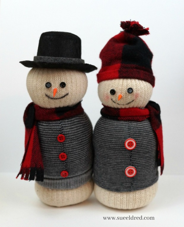 snowman-couple-with-red-buffalo-plaid-sues-creative-workshop