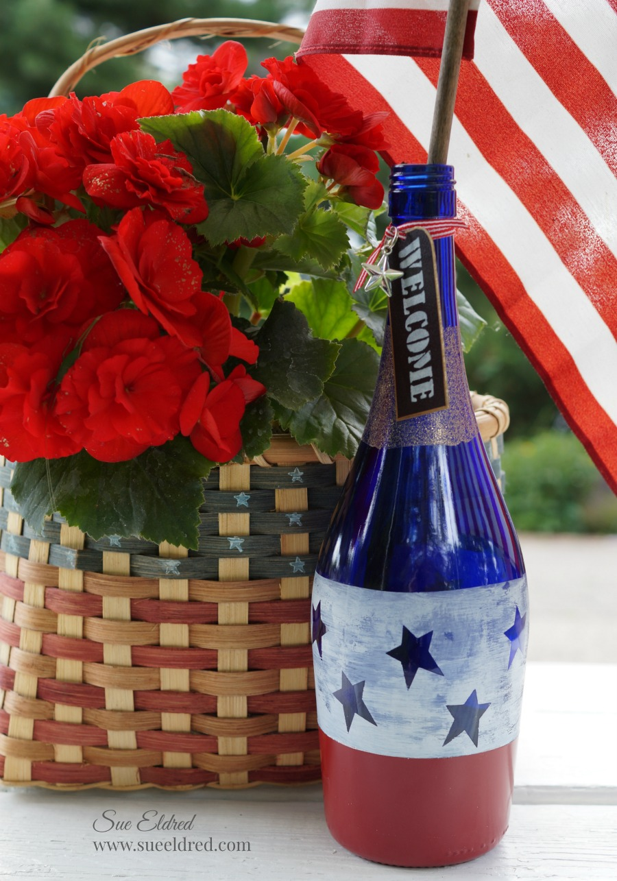 How To Make A Patriotic Red White And Blue Etched Wine Bottle Sue S Creative Workshop