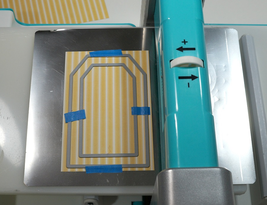An Eggstra Special Shaker Tag-Sue's Creative Workshop www.sueeldred.com 8649